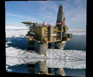 Газпром может получить лицензии на участки в Арктике до конца 2013 г